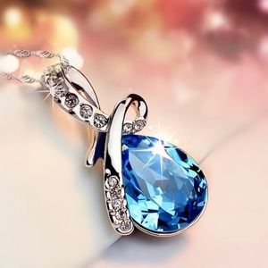 Jewelry - silver plated pendant necklace